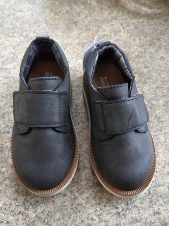 Sprzedam NOWE buty dla chłopca ZaraBaby r.20