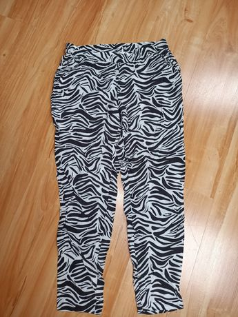 Spodnie damskie z kieszeniami