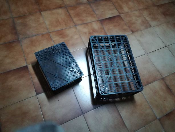 2 cestos / caixas acrílicas