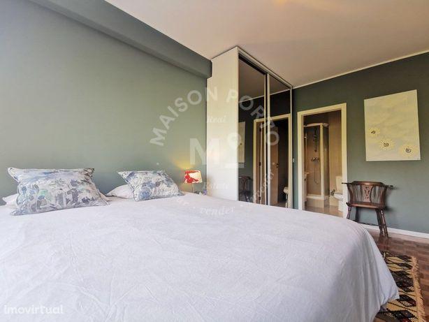 Apartamento T3 com Suite, Varanda e Garagem e Arrumos na ...