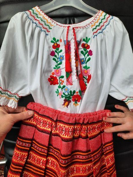 Вышиванка и юбка, украинский костюм на 6-7 лет