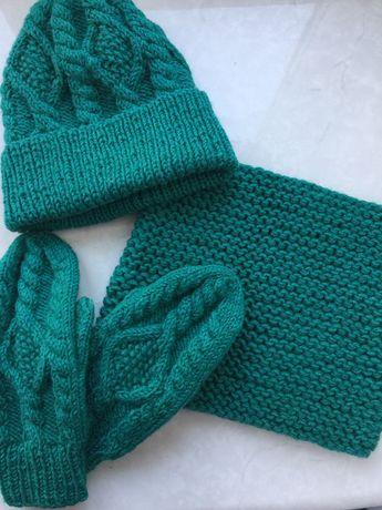 Теплый зимний стильный комплект на зиму шапка снуд варежки