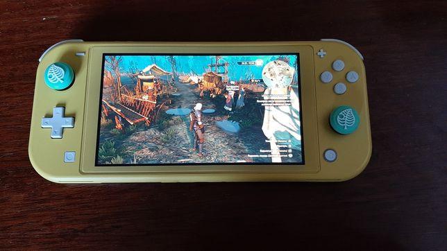 Nintendo switch Light, 256gb карта памяти, 2 чехла, и игры