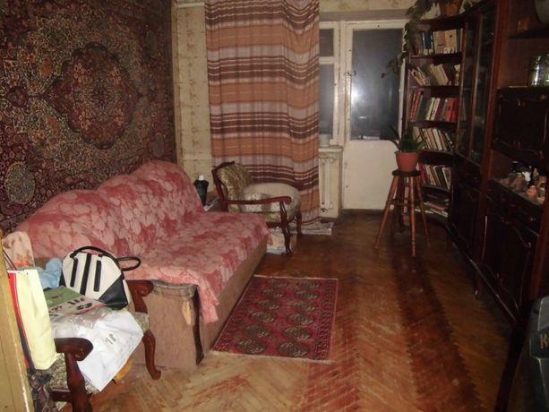 Сдам отдельную комнату в трёхкомнатной квартире для одного человека Вы