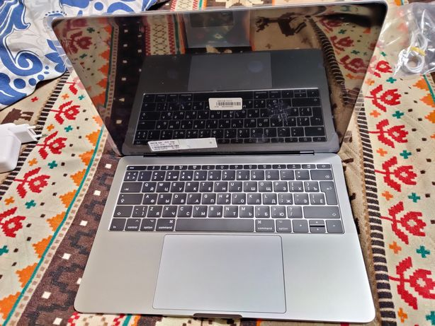 Macbook pro A1708 идеал