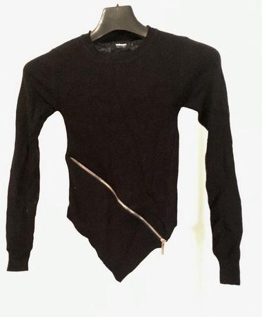 Bluzka VALLEYGIRL z zamkiem i dołem w kształcie trójkąta Czarna rozm S