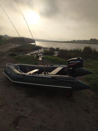 Лодка Bark с мотором Mercury 5