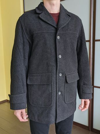 Мужское пальто (на 65% шерсть, размер L)