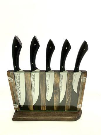 Набор кухонных ножей ручной работы с гравировкой