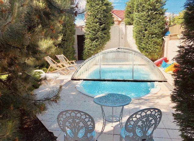 Стильный дом на Фонтане у моря с бассейном