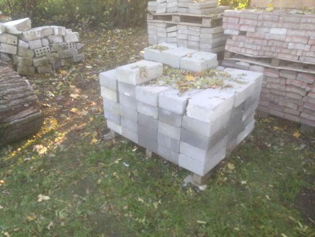 Bloczek betonowy B25