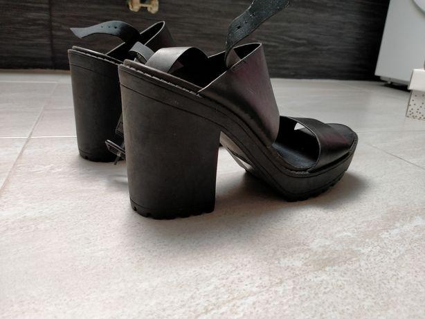 Czarne sandały  z h&m