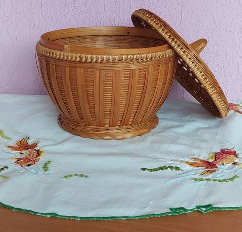 Корзиночка плетенная из вьетнамской соломки