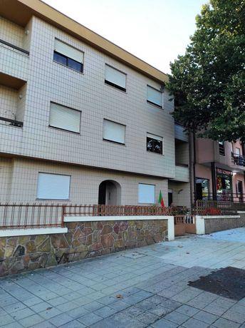 Aluga-se apartamento no centro de Valongo