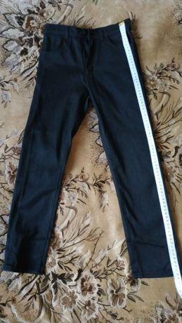 Продам черные джинсы.