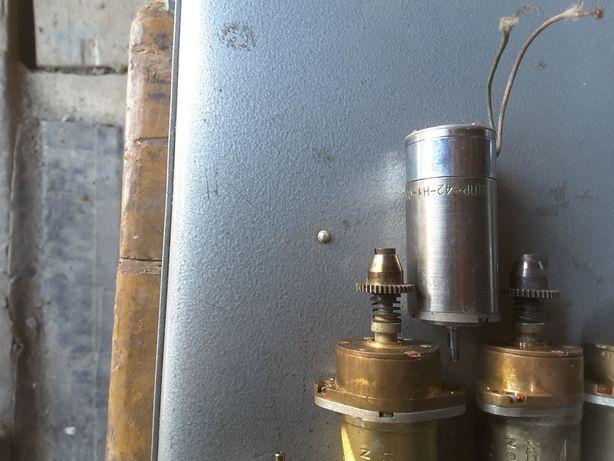 Двигатели и механизмы на 27в постоянного тока.