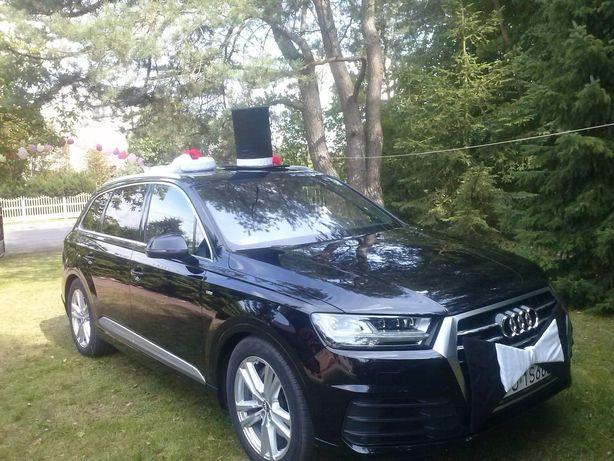 kapelusz i welon, dekoracja samochodu do ślubu