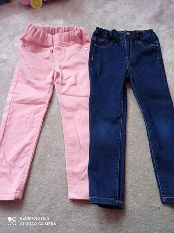 Dwie pary spodni jeansowych Reserved rozm. 104