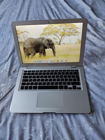 Срочно продам шикарный алюминиевый MacBook Air - 8700р