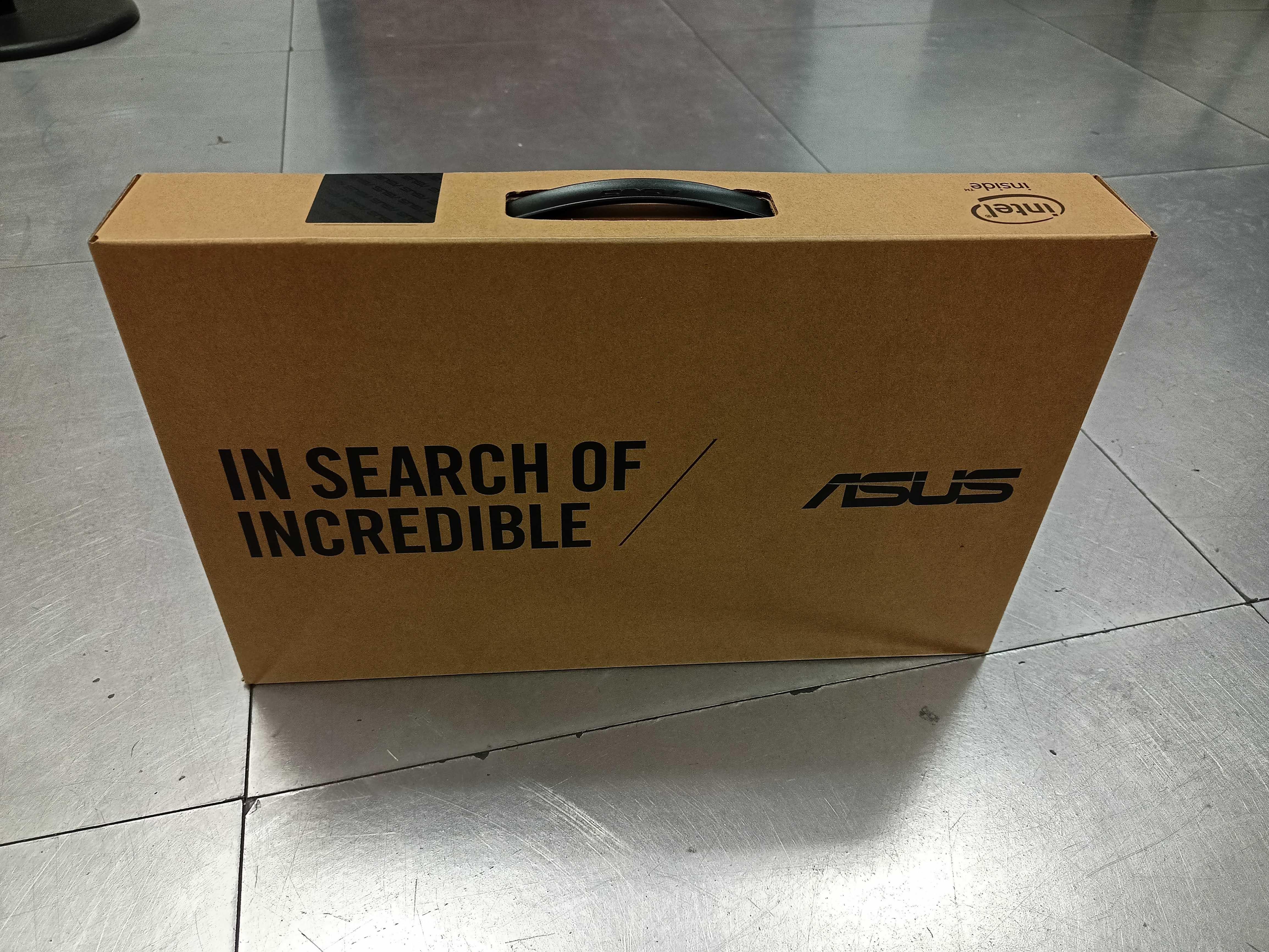 ASUS Portátil / Laptop Celeron com 64GB + 128GB (Selado Ainda, Novo)