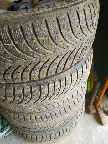 Резина Michelin Latitude Alpin 215/70 R16 104H