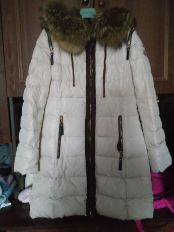 Зимова куртка в гарному стані