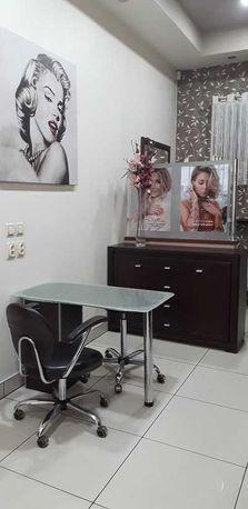 Stanowisko dla stylistki paznokci