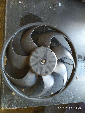 Вентилятор охлаждения Ford Fusion.