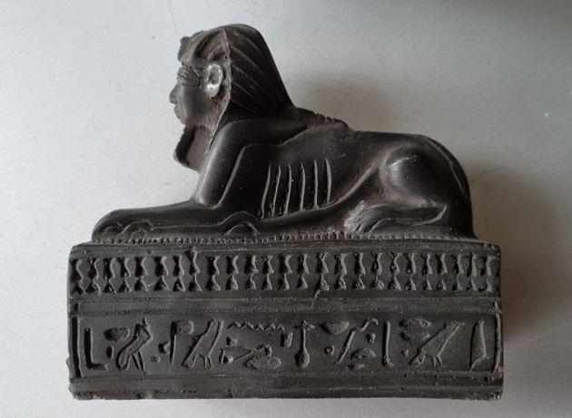 Figurka przywieziona z Egiptu