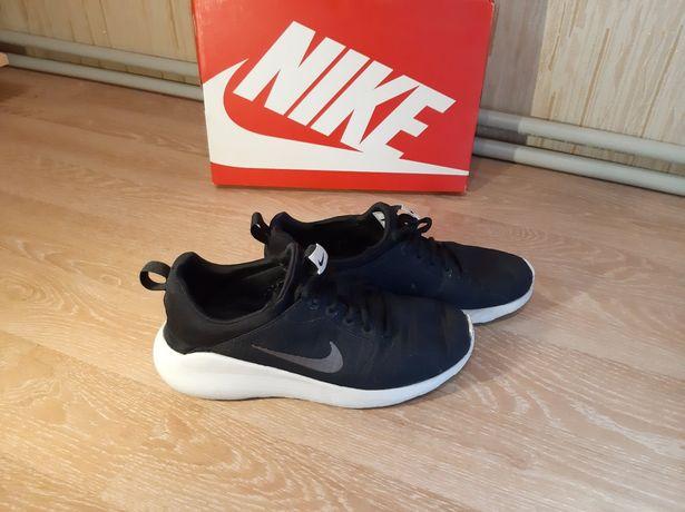 Кроссовки на подростка Nike 41 pp