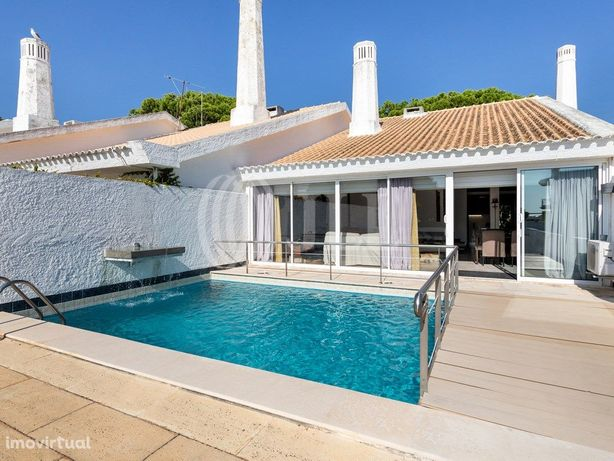 Moradia T3+1 com terraço, vista mar, piscina, jardim e ga...