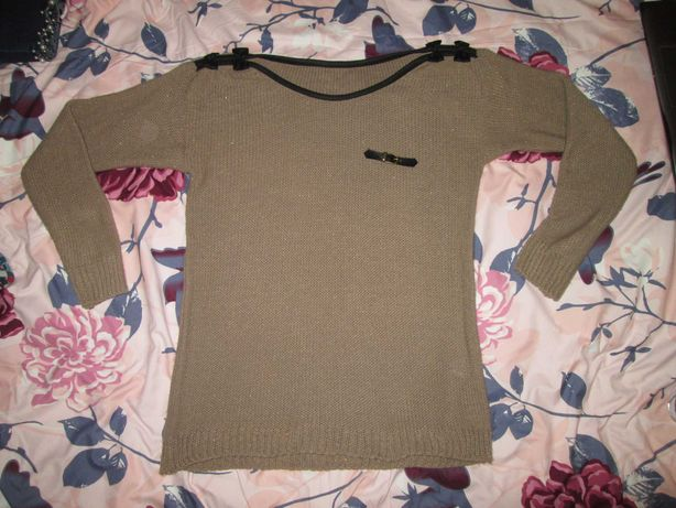 Sweterek, rozmiar M/L, nowy bez metki