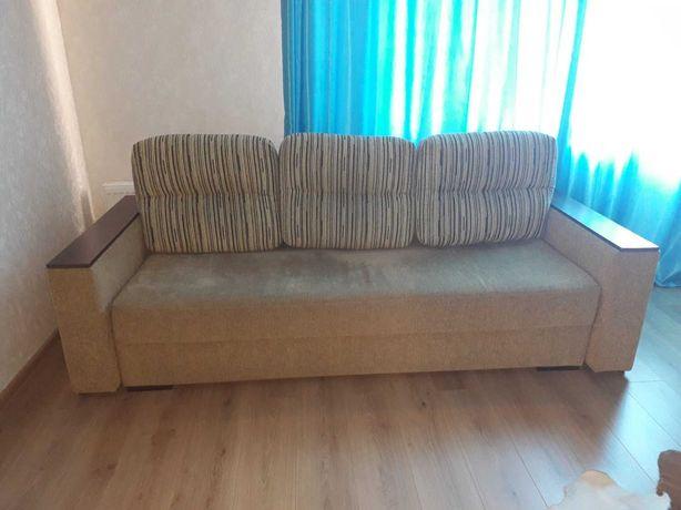 Продам диван в отличном состоянии для дома, дачи 4800грн