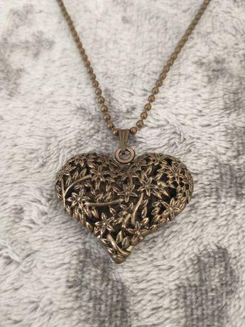 Długi naszyjnik damski serce