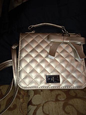 Очень красивая сумочка