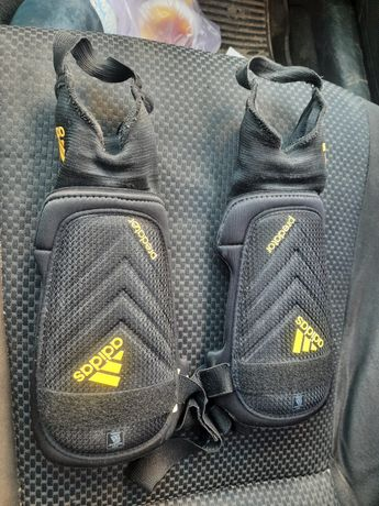 Защитные щитки защита футбольная adidas для игры в футбол
