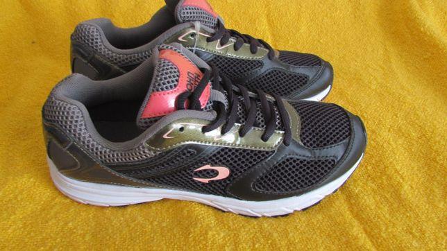 Жіноче взуття 38 розмір, кроссовки нові