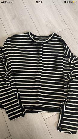 Czarno-biała bluzka w paski