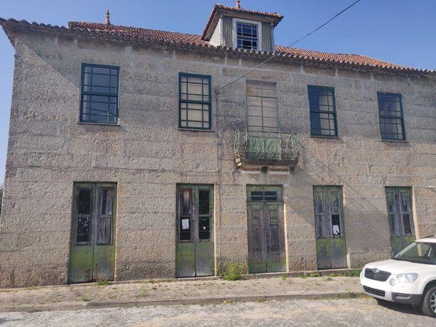 Casa antiga em Castelo de Paiva