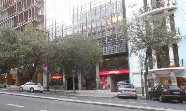 Arrenda-se lugar de estacionamento na Rua Castilho