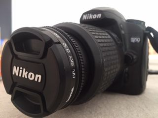 Máquina fotográfica Nikon D50 + oferta 2 cartões de memória