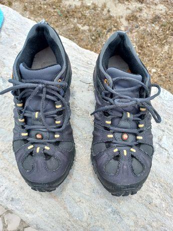 Sapatos Merrell em ótimo estado