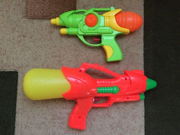 детские водные пистолеты 2шт.