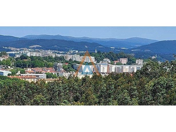 Apartamento T2 com excelente vista da cidade S. J. Madeira