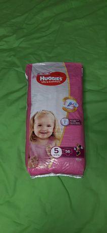 Памперсы для девочки Huggies Ultra Comfort