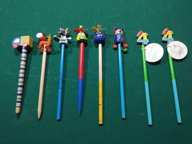 Lápis de carvão com bonecos (novos)