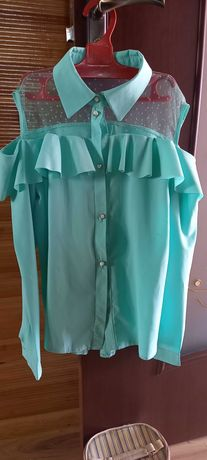 Блуза для дівчинки 9-10 років.