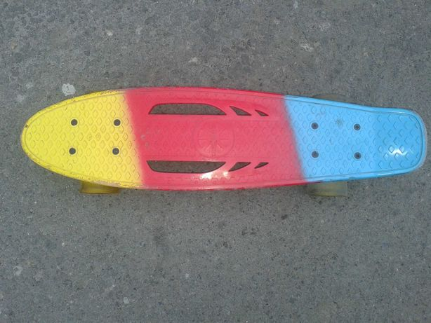 Скейт, пенни-борд со светящимися колесами