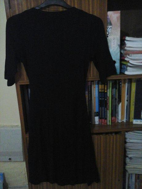 Vestido preto de trespasse tamanho 42 hm