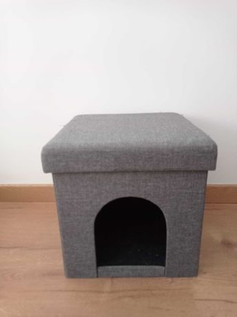 Cama de gato cinzenta/ banco